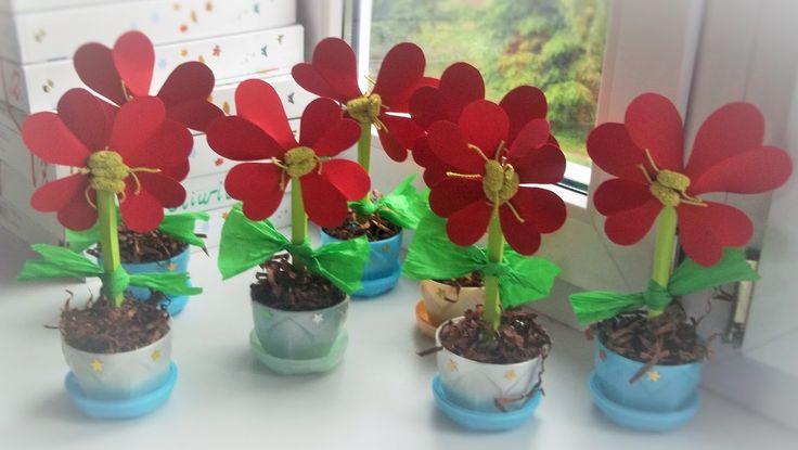 Znalezione obrazy dla zapytania prace plastyczne kwiaty dla mamy