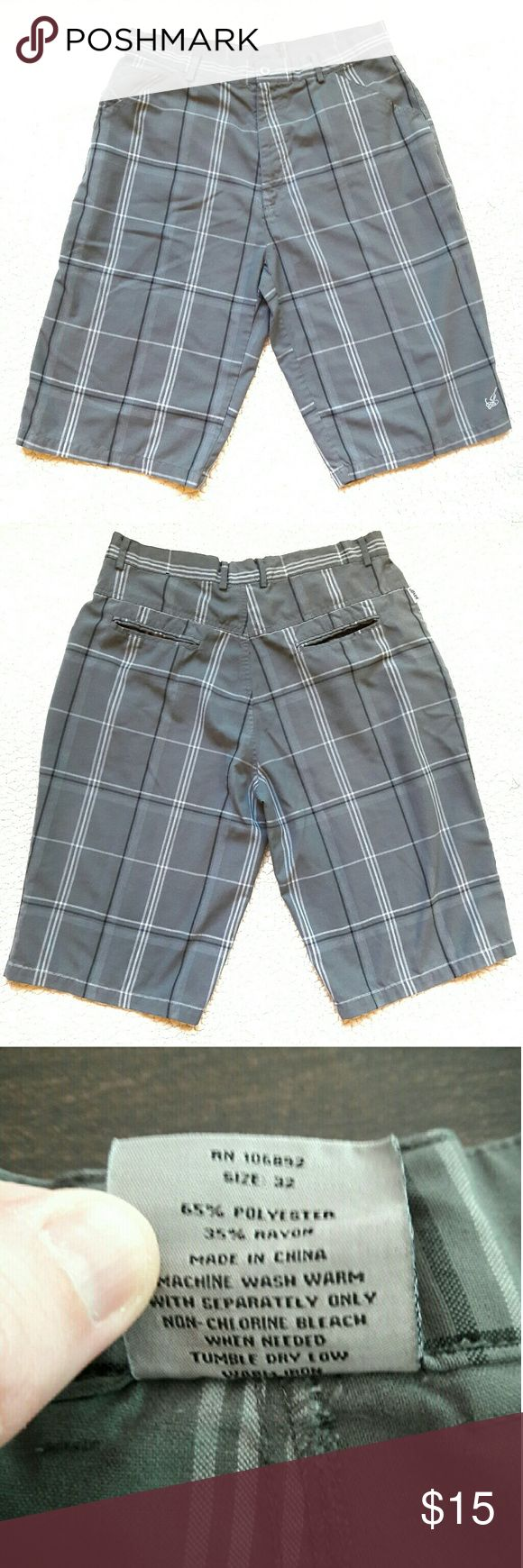 *CLEARANCE* {Mens} ᴊᴏᴋᴇʀ ⏺ long shorts Great shorts for summer! Colors are gray, white and black. Has the joker symbol on one of the legs. No flaws. Inseam Measurement provided in pic above. From a smoke and pet free home. Fast shipping! Beach - Vacation - Fun - date night - guy - spring - summer *IF YOU LIKE MY ITEMS, please FOLLOW ME to see NEW ARRIVALS that are added weekly* Joker Shorts