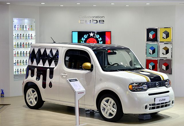 Nissan Korea unveil the collaboration CUBE @Beatriz Rodrigues and start to sale on May. Nissan Korea have prepared 6 delightful decals with SML. Sticky Monster Lab put their famous character 'Monster' in the decals.