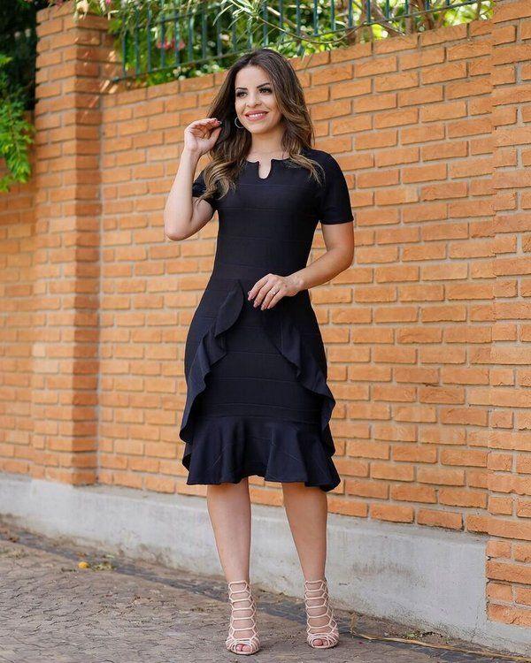 5ffc6c2efc Vestido Midi Samile Preto com Babados - Loja Flor de Amêndoa - Moda  Evangélica e Feminina