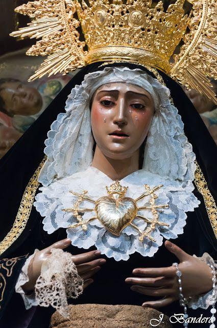 Las Fotografías de Bandera: La Virgen de los Dolores de Dos Hermanas