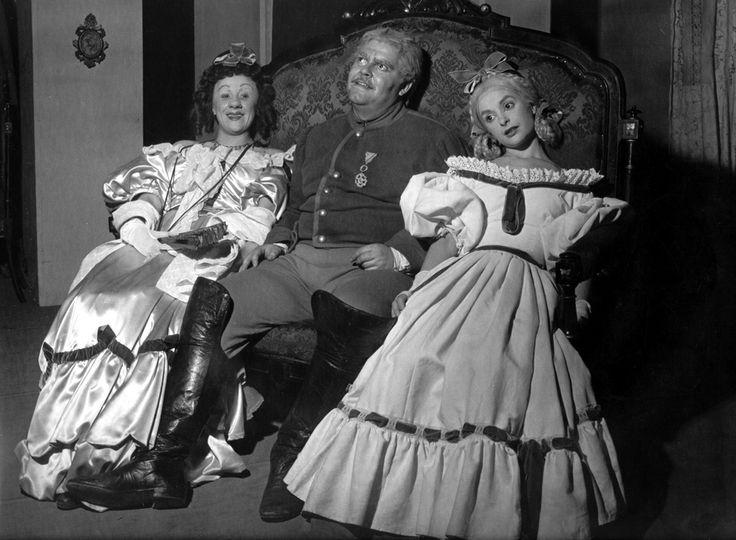 1952 Il revisore di Nikolaj Gogol, regia di Giorgio Strehler, foto Archivio Piccolo Teatro di Milano