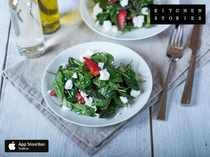I'm cooking Hafif çilek ve kuşkonmaz salatası with @1KitchenStories - Download the app via http://itunes.apple.com/app/id771068291