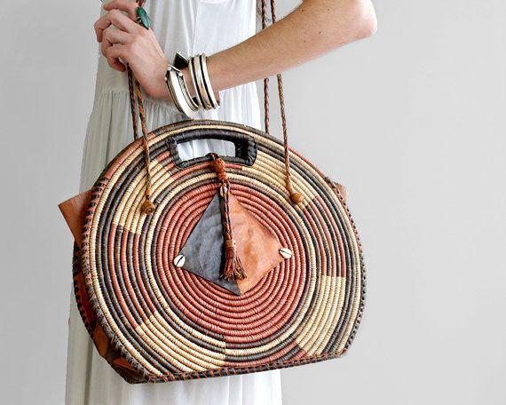 70's Boho Tote Bag // Vintage Woven Straw Shoulder Bag // Hippie Leather Bag // Market Bag // Tribal Bag // Circle Round Bag // Basket Purse