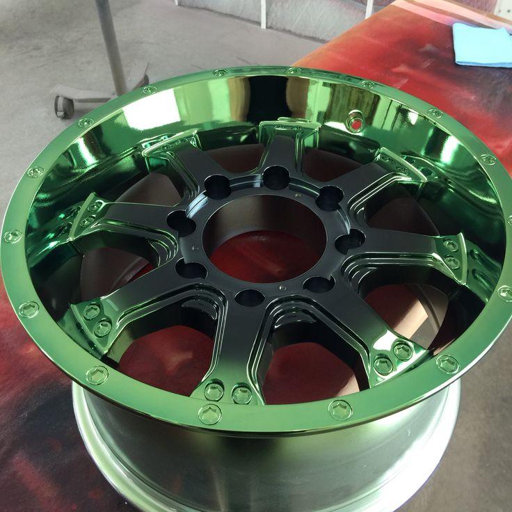 Green and black chrome wheel. Painted by Chrome Commander. #instagram #chrome_commander