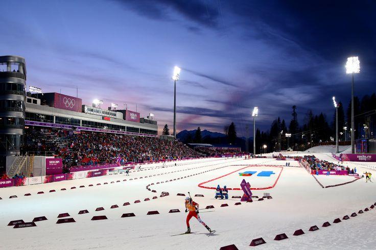 На стадионе Лаура в Сочи были установлены самые высокие на территории России мачты освещения - их высота 62 метра (производство Abacus) #спортивноеосвещение #мачты #самыевысокиемачты #olympicgames #олимпийскиеигры2014 #sochi