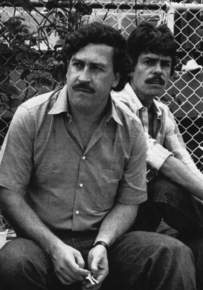 Préférence Pablo escobar death on Pinterest | Death of pablo escobar, Pablo  LF65