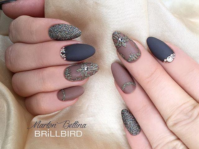Instagram media mbettinanails - #handpainted #handmade #műköröm #brillbird #bettinamarton #martonbettina #nail #nails #nailart #naildesign #nailpolish #nailfashion #brown #matte #mattenails #glitter #swarovski
