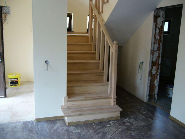 scari din lemn, scara lemn masiv, scari interioare lemn, scari beton