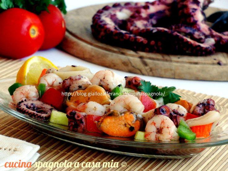 Insalata di mare con molluschi o salpicón de marisco: molto diffusa in tutta la Spagna è una delle più tipiche tapas dei bar spagnoli nella stagione estiva.