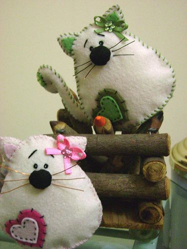 cat #felt   Visit & Like our Facebook page: https://www.facebook.com/pages/Rustic-Farmhouse-Decor