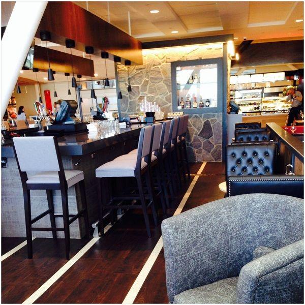 L'idée derrière notre restaurant de l'Aéroport de #Montreal : Faire sentir aux voyageurs un peu de ce qu'est Montréal :)  #YUL   #restaurant