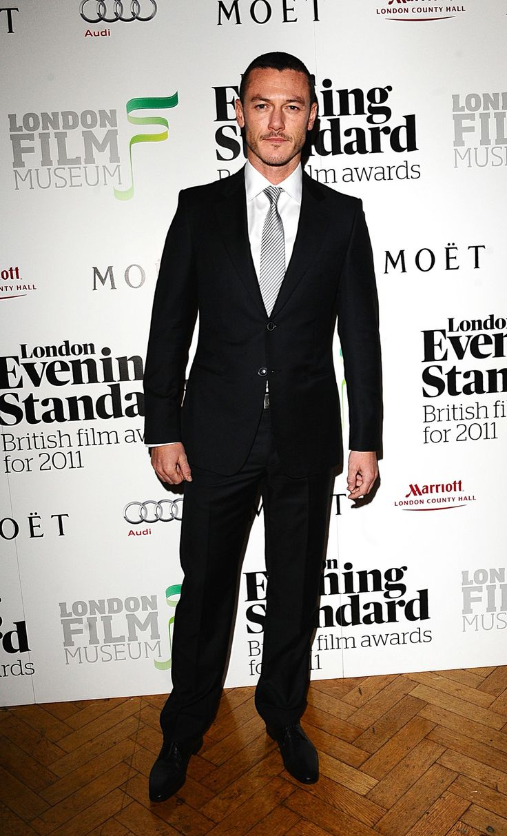 London Evening Standard British Film Awards 2012, 6 Feb - Фотоальбомы - Luke Evans (Люк Эванс)