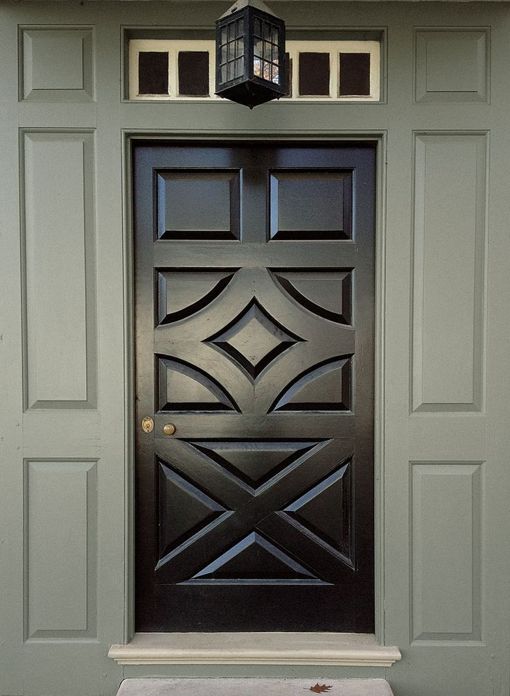 Pin by benjamin moore on the williamsburg color collection for Grand entrance doors