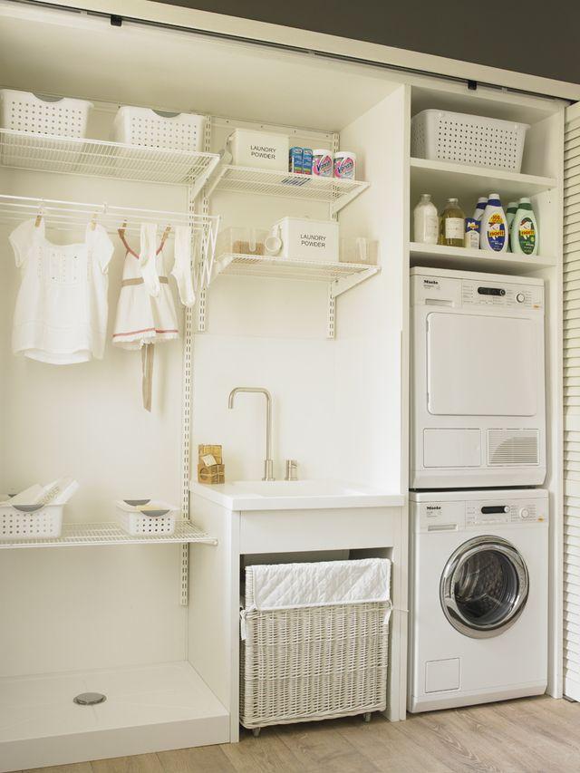 3 pasos para organizar un cuarto de lavado y plancha: Zona de lavadero en un armario