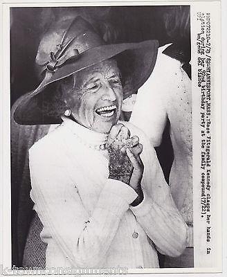 ROSE KENNEDY HYANNIS MA 92nd BIRTHDAY CELEBRATION VINTAGE NEWS PRESS PHOTO