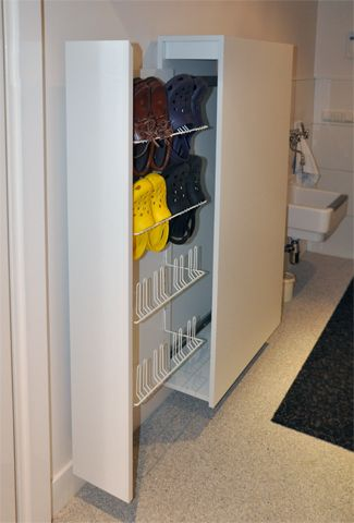 Handige schoenenkast voor smalle hallen.  STIJLAPART, interieurontwerp en realisatie - Portfolio hal