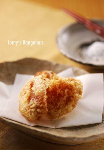 干し柿の天ぷら: Tomyのごはん 日本には1000種もの柿の種類があるそうですが、さらに干し柿にも作り方がいろいろあり(あんぽ柿やころ柿など)、群馬以北のブランド干し柿が有名でしょうか。