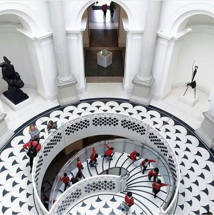 TO SEE : Tate Britain - London . A very beautiful museum along the Thames. Love it. The admission is free! #tatebritain #Londonmuseum #londonmoments