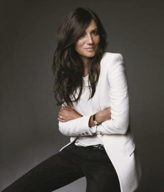 Emmanuelle Alt, Editor in Chief Vogue Paris  Really love how casual but powerful… The power of a white suit in a professional portrait