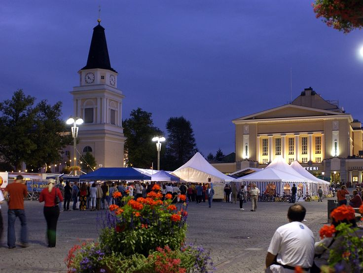 Market Square in front of Tampere Theatre. Photo © VisitFinland.