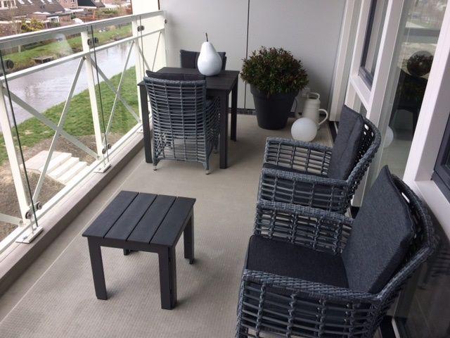Balkon Sets Mit Gartenstuhlen Aus Polyrattan Und Gartentischen Aus