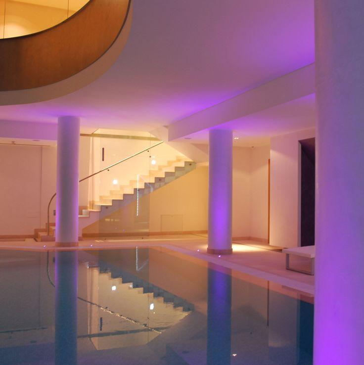 Luxury SPA Lecce.  Progetto OTTO DESIGN. Arch. Luca Picardi -Napoli  Vista della sala SAUNA_PISCINA. Illuminazione a Led