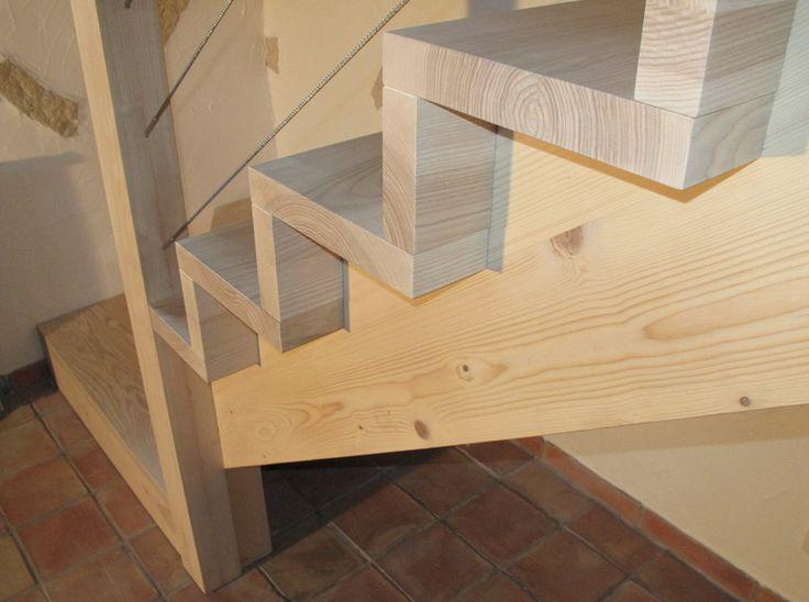 09-12 Escalier en bois contemporain 1/4 tournant avec contre marche et crémaillère rampe et garde corps en câble inox « Espace Bois