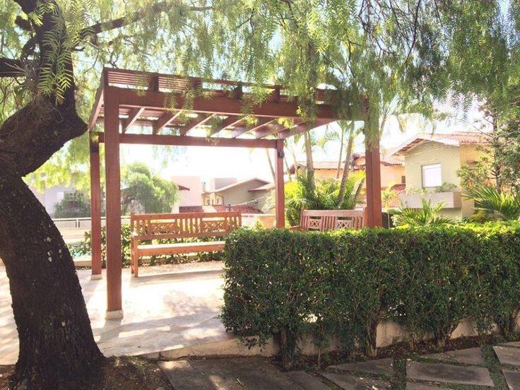 A imagem pode conter: planta, árvore, casa, atividades ao ar livre e natureza