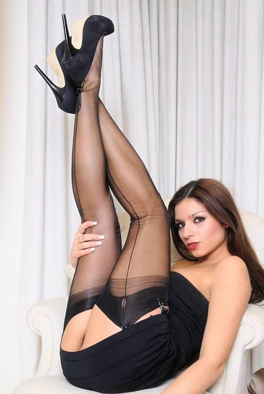 Sexy Women In Seamed Nylon Stockings 37