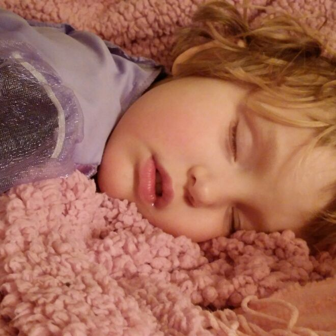 If your toddler is having trouble sleeping at night, new research suggests that afternoon napping may be the culprit.
