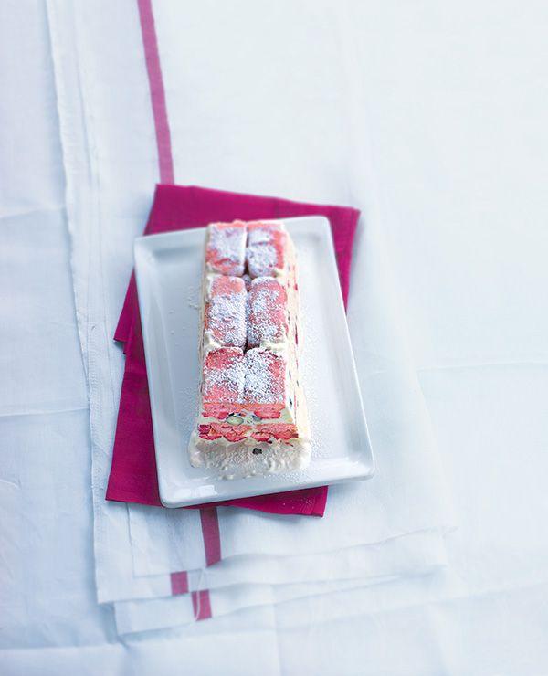 Découvrez notre recette à base de fruits rouges : tiramisu aux fruits rouges. Facile à préparer, gourmande, c'est un dessert idéal pour l'été