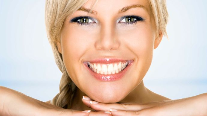 6 Ways to Get Rid of Yellow Teeth at Home