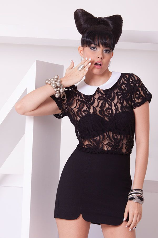Blusa de encaje negra con cuello bebe blando y falda negra corta. Blusa calaveras kaki con cuello rebordado en perlas y falda encaje beige. ZOCCA'S NEW COLLECTION !!! Encuentranos en nuestra tienda en linea . Ingresa a www.zocca.com.co . #clothing #fashion #eshop #tiendaenlinea #faldanegra #faldacorta #blusaencaje #blusacuelloblanco #hairstyle #lazopelo