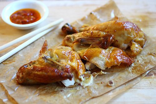 Chinese roast chicken recipe. Flavorful, juicy, and absolutely mouthwatering, and it's quick and easy to make for the entire family!