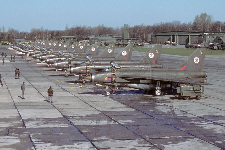 92 Squadron English Electric Lightning F.2 Lineup at RAF Gutersloh (1976)