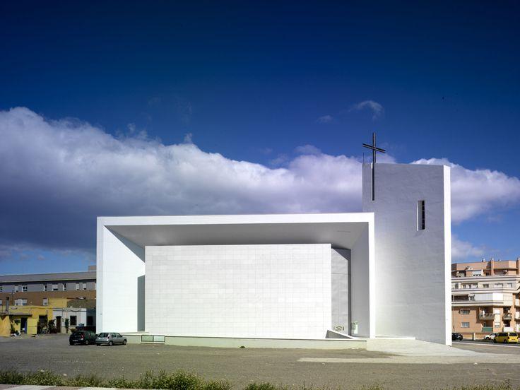 Iglesia de Sana Ana y san Joaquín / RGRM Arquitectos