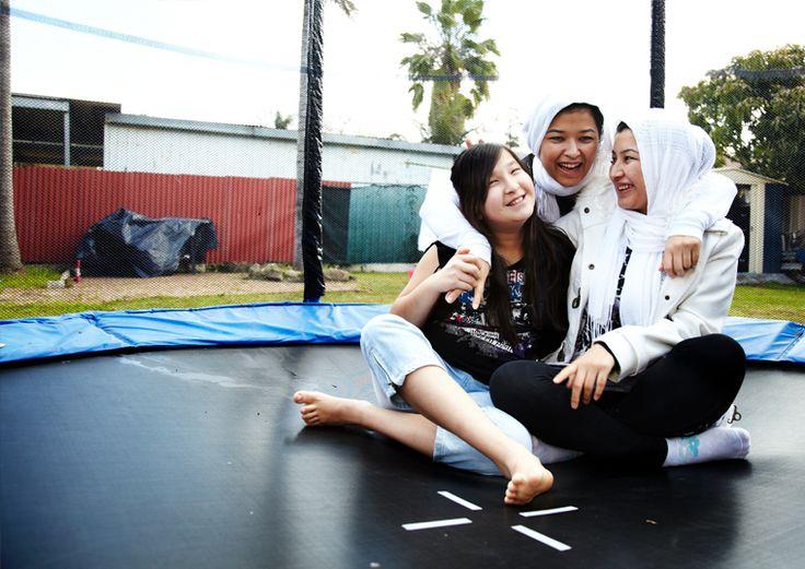 Raihana, Najeeba and Nooria Wazefadost, Faces of Asylum exhibition © Hamish Gregory / AI