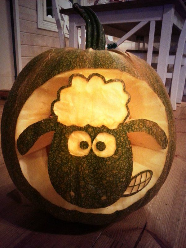 Amazing Shaun the Sheep pumpkin by frederikaxx on Twitter!