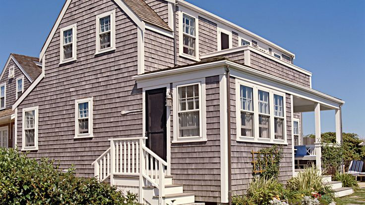16. Beloved Nantucket Cottage | From polished and sophisticated to rustic and casual, you can find your very own coastal style from this collection of our favorite beach cottages.