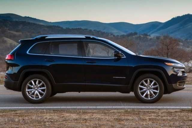 Jeep Cherokee SUV 2016 Price and specs features3