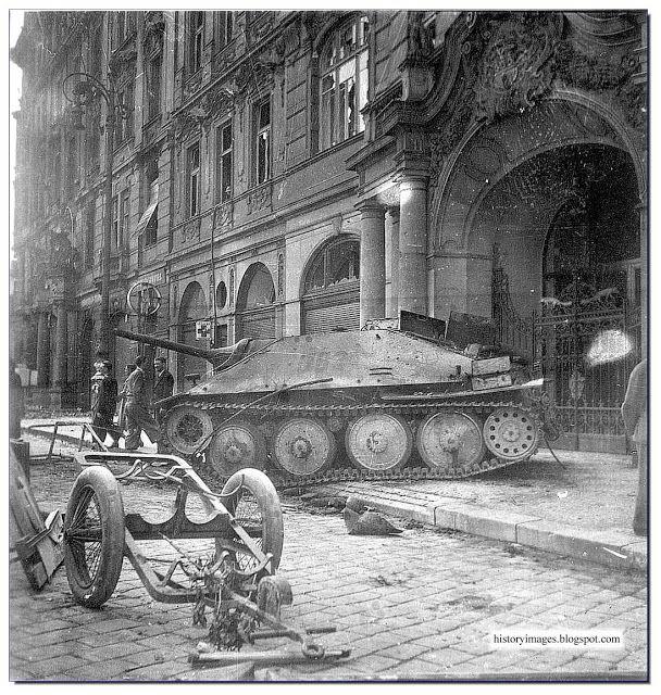 german hetzer tank | German tank destroyer Jagdpanzer 38, Hetzer lies abandoned in Prague ...