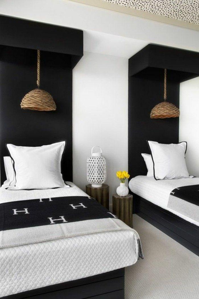 tête de lit originale en bois noir pour la chambre à coucher
