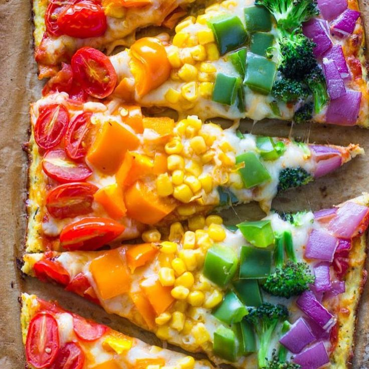 """THIS LOOKS AMAZING! Know what I'm trying next time I crave pizza!  Repost from @shonda1020 ・・・ Rainbow Cauliflower Crust Pizza By…"""