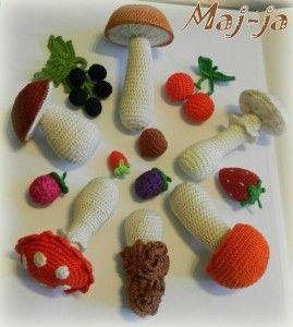 """12 сентября начинаю новый онлайн """"Вязаное грибное лукошко """" с набором миниатюрных овощей. Присоединяйтесь! #crochetfood #pattern #crochet #вязаныеигрушки #amigurumi"""