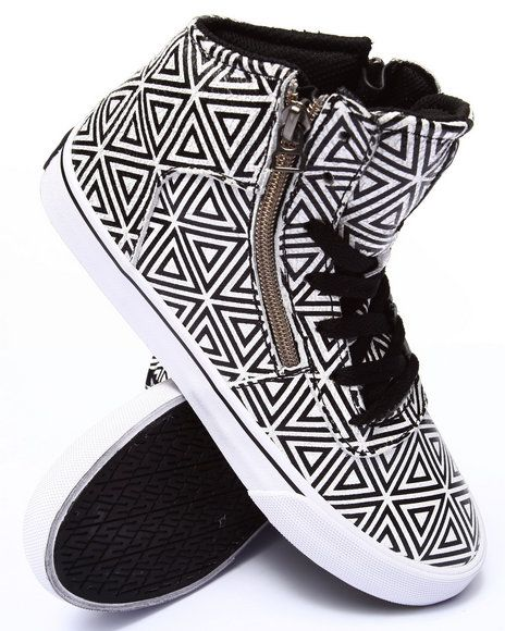 Love this Cuttler Diamond Print Sneaker on DrJays and only for $55.99. Take 20% off your next DrJays purchase (EXCLUSIONS APPLY). Click on the image above to get your discount.