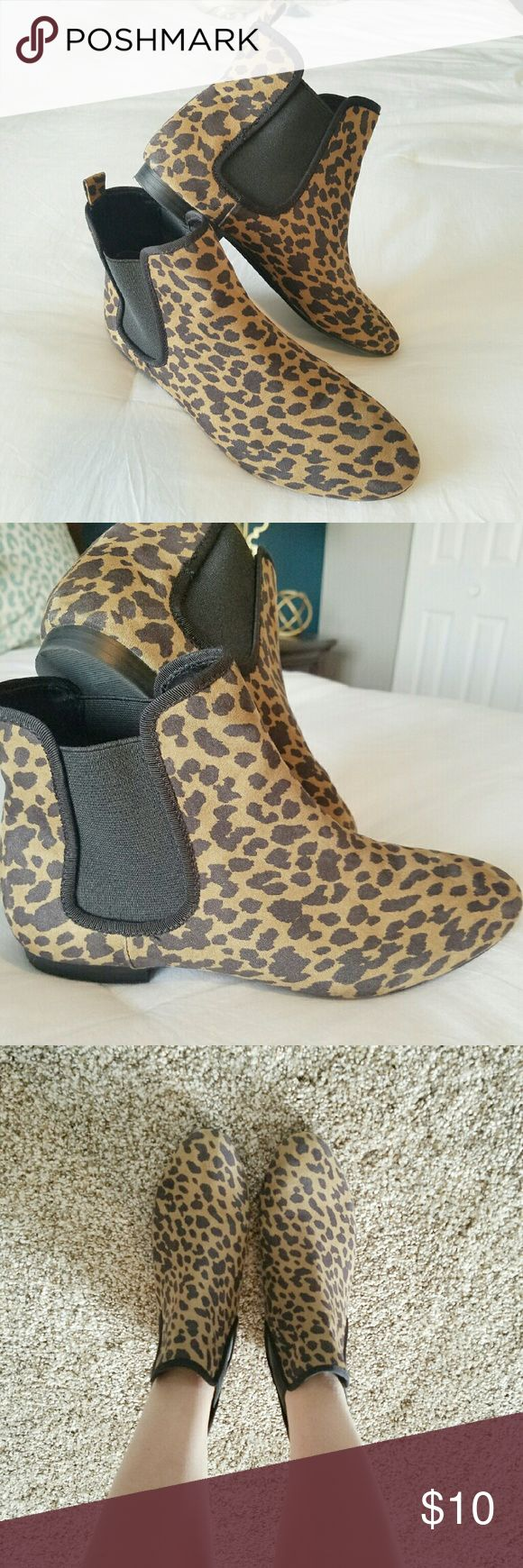 Leopard Print Ankle Boots Leopard Print Ankle Boots. Size 8. Fits true to size. Perfect with black leggings or tights. Cute with dresses. Worn once. Old Navy Shoes Ankle Boots & Booties