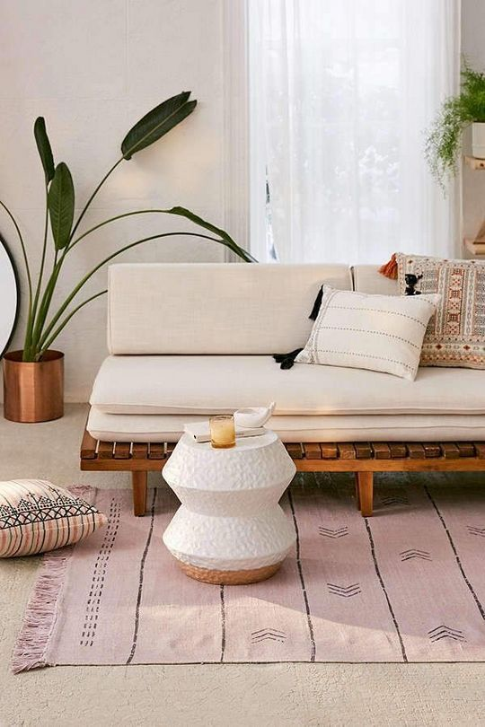 The Appeal Of Warm Tone Living Room Room Designing Isn T Only A Dreaded Necessity Also Set The L Bohemian Living Room Decor Easy Home Decor Living Room Decor