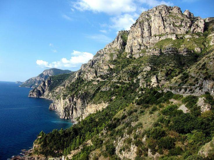 amalfi-coast-italy-road-to-sorrento                                                                                                                                                                                 Mais