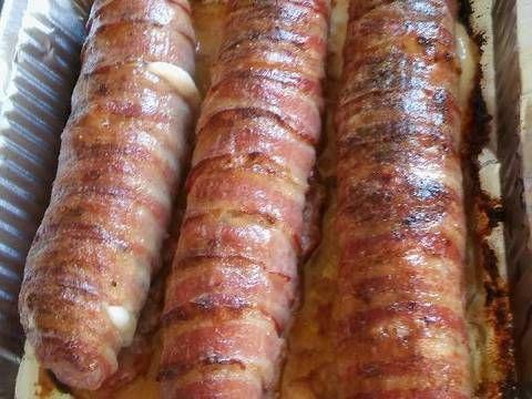 """Mennyei Baconos sajtos tekercs recept! Erről csak hírből hallottam, megpróbáltam elkészíteni. Bármilyen körettel tálalható, én önmagában ettem. Csak """"húszdekás""""-nak hívom"""